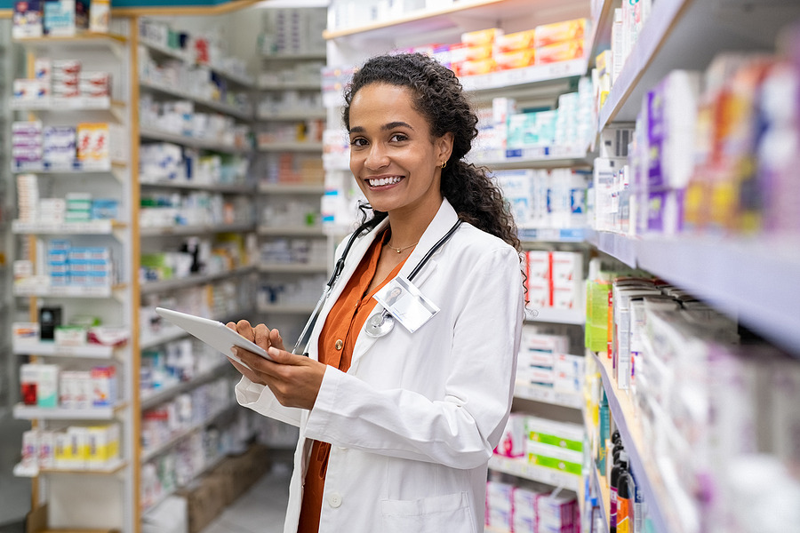 Specialist Working In A Compounding Pharmacy Near Me