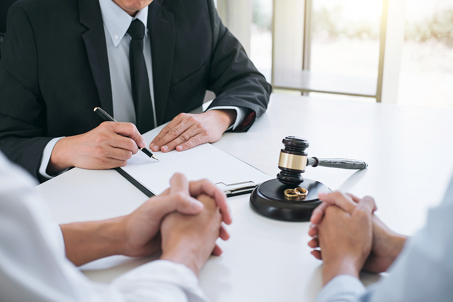 Chatswood family lawyer assisting a couple on their separation