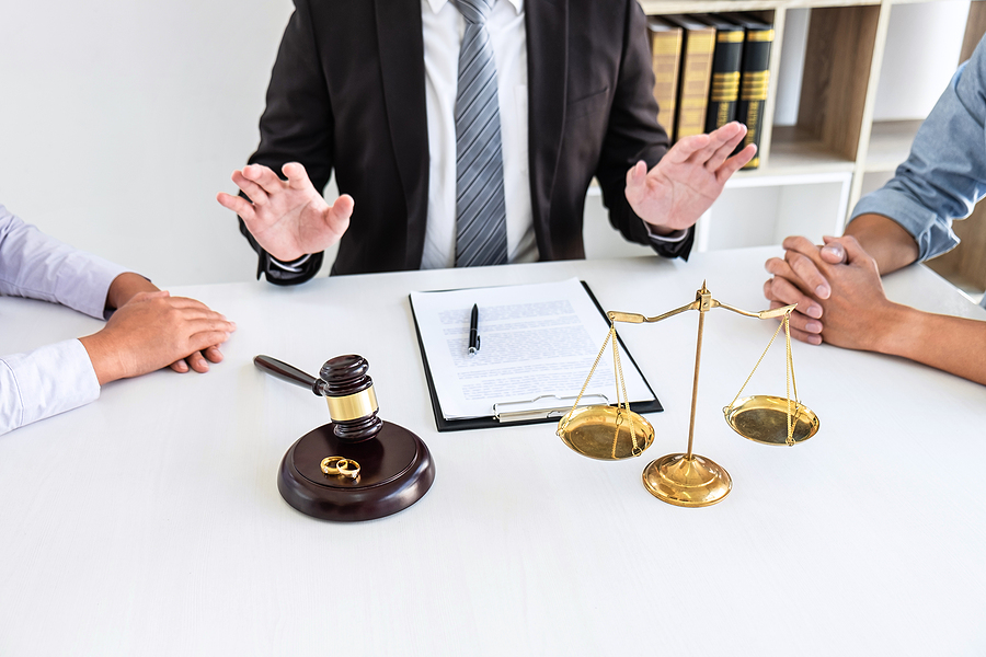 Divorce lawyers in Sydney helping a couple finalize their separation